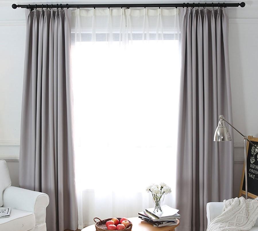 Nên Chọn Rèm Vải Trơn Hay Rèm Họa Tiết Cho Không Gian Phòng Khách