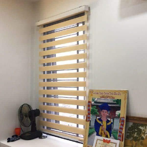 Rèm gỗ cửa sổ kéo tay bản lớn che nắng hiệu quả