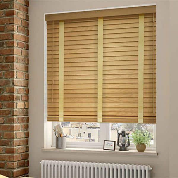 Rèm gỗ cửa sổ phòng khách màu gỗ kem