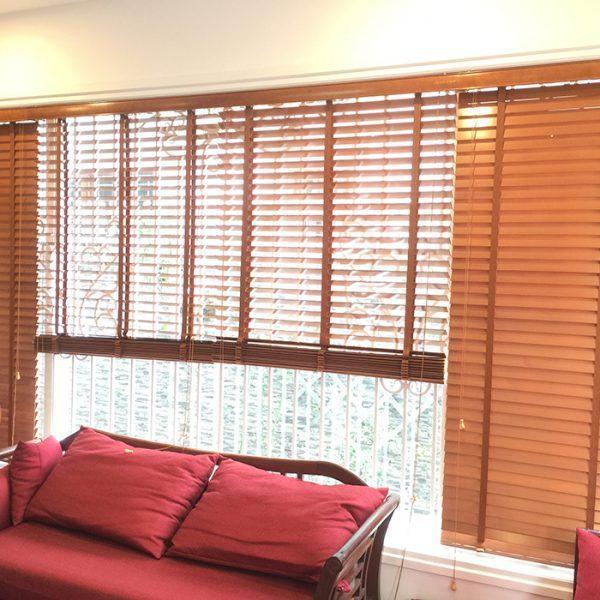 Rèm gỗ phòng khách gỗ nâu khổ lớn