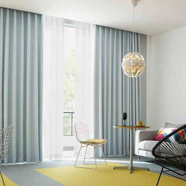 Rèm phòng khách hai lớp vải màu kem xanh